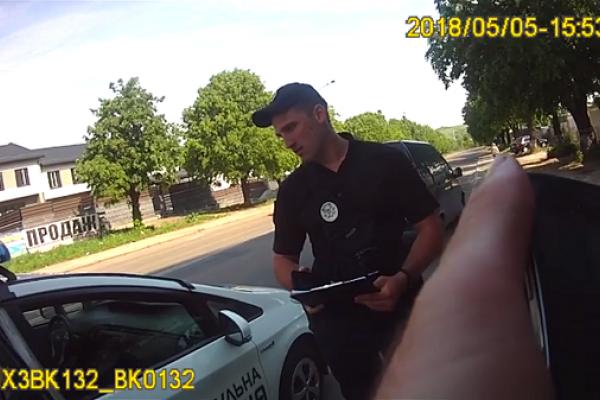 Рівненським патрульним погрожував водій (Відео)