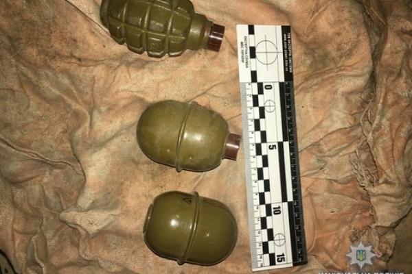 Цілий арсенал зброї вилучили у жителя Рівненщини (Фото)