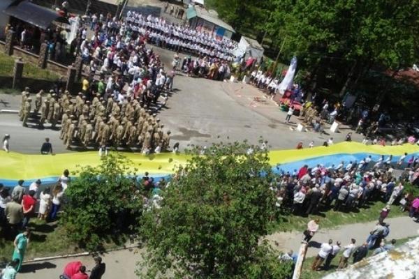 На Рівненщині відкрили Пам'ятник Героям Небесної Сотні (Фото)