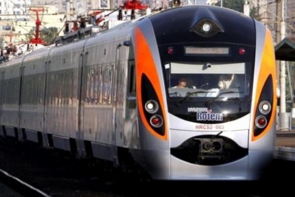 «Укрзалізниця» відмовила у відкритті додаткової зупинки поїзду Інтерсіті на Рівненщині