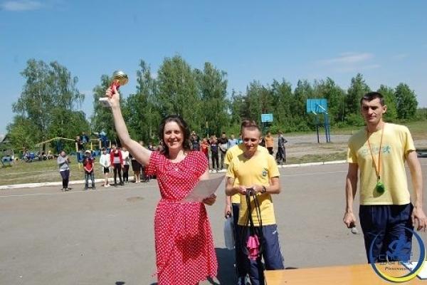 На Рівненщині відбувся фестиваль ранкової зарядки «Рух заради здоров'я»