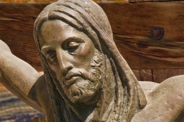 «Христос має дивитися людям у вічі…» – скульпторка Теодозія Бриж