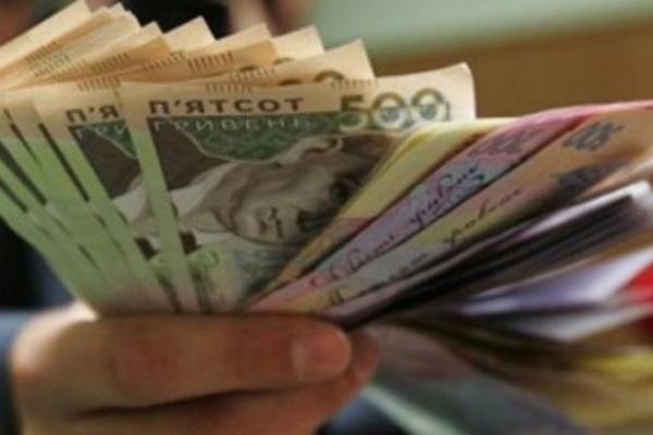 У неповнолітнього рівнянина шахрай видурив гроші