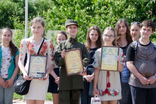 У Рівному, Тернополі та Ужгороді нагородили переможців конкурсу «Гвардієць очима дитини»