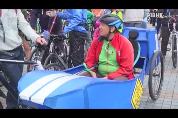 У Рівному понад триста п'ятдесят велосипедистів взяли участь у всеукраїнській акції (Відео)