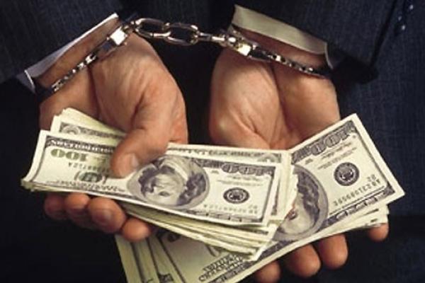 На Рівненщині адвокат дав хабаря слідчому, аби той закрив справу