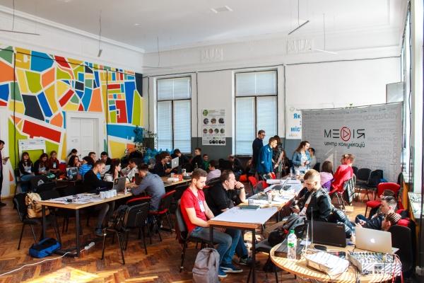 У Рівному провели загальноукраїнський IT хакатон «HackRivne» (Фото)