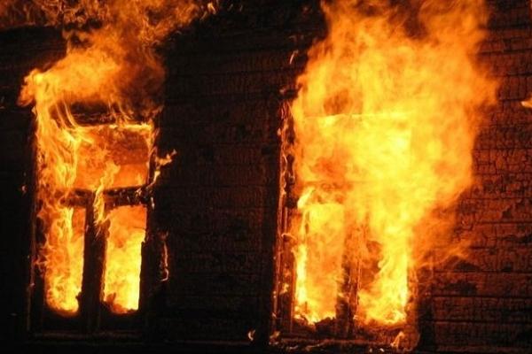 Вночі на пожежі загинув чоловік