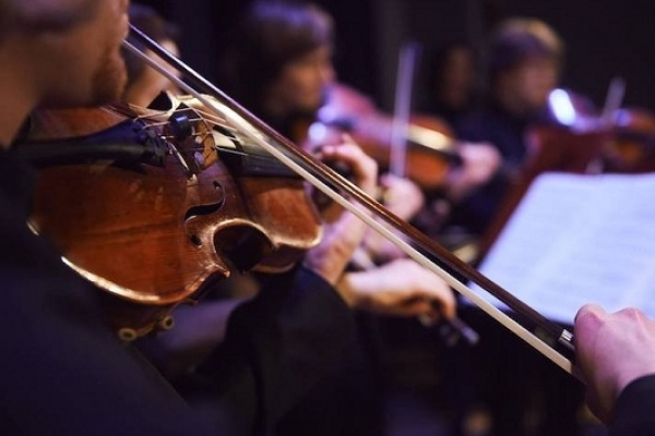 Концерт класичної музики Назара Плиски-Пасічника та Ангеліни Даценюк відбувся в Острозі