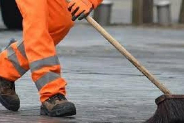 Жити по-старому:  як Рівненське ШЕУ проводило тендер на прибирання вулиць