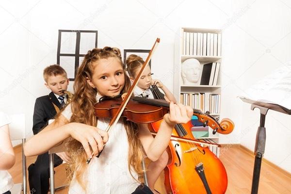 У Рівному німці передадуть дітям музичні інструменти