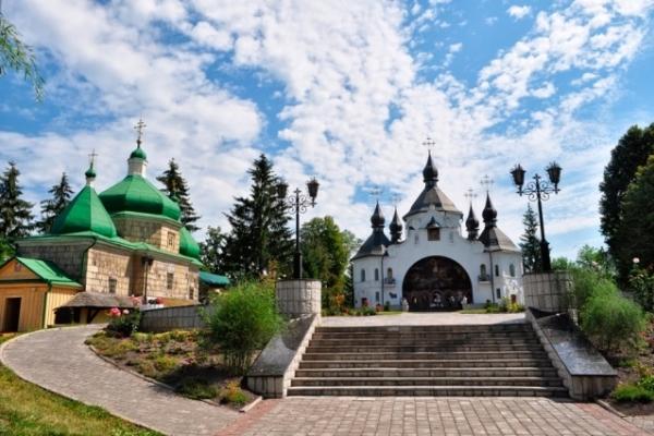 На Рівненщині вшановують загиблих козаків
