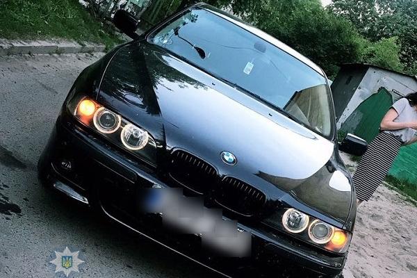 У Рівному викрадену елітну автівку повернули власнику (Фото)