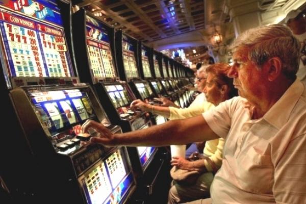 У Рівному залежний від азартних ігор написав про свою залежність книгу