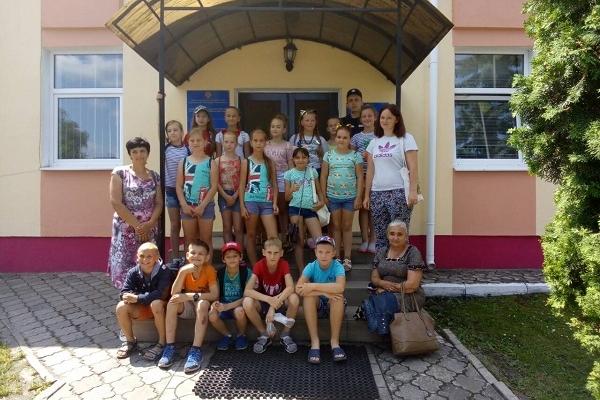 На Рівненщині школярі завітали на екскурсію до рятувальників (Фото)
