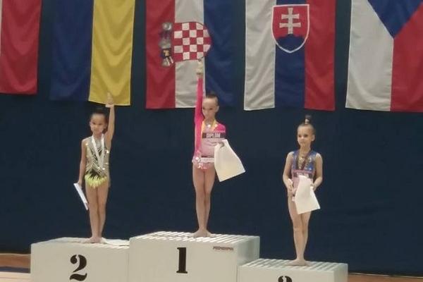 З нагородами престижного конкурсу повернулися рівненські гімнастки додому (Фото)