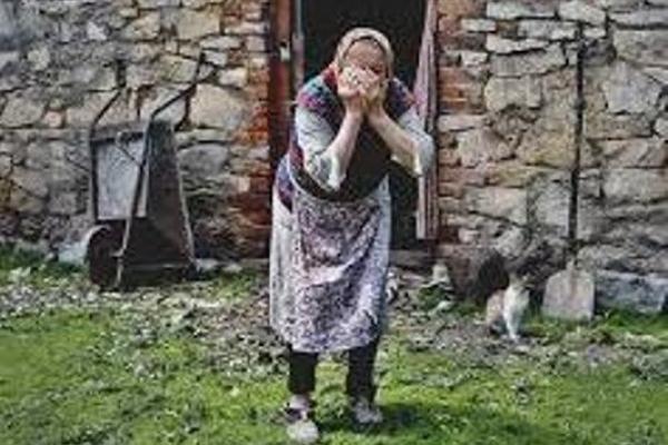 Як у селі на Млинівщині внук збирається «замочити» бабусю