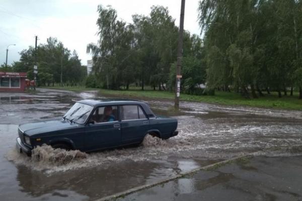 Квасилів затопили дощі (Фотофакт)