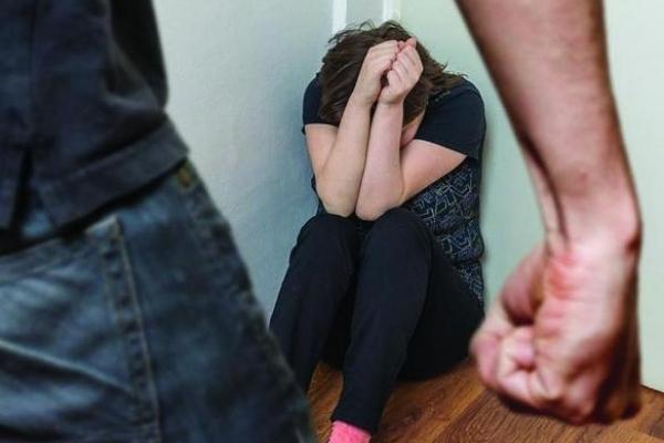 Як протидіяти домашньому насильству – консультує Міністр юстиції Павло Петренко