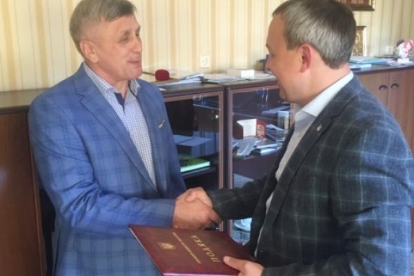 Подяку Прем'єр-міністра України отримав рівненський учитель карате Анатолій Гірак