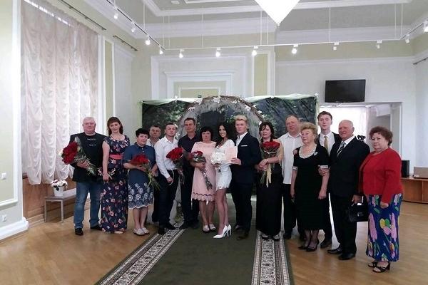 За тиждень у Рівному одружились 40 пар