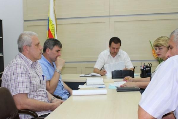 Мешканці Рівненщини звертаються до голови ОДА переважно з питань доріг, земельних ділянок та лікування