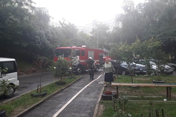 У Рівному через підгорілу їжу з будинку виводили людей (Фото)