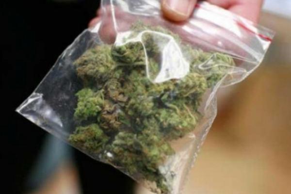 У Володимирці поліцейські затримали наркоторговця