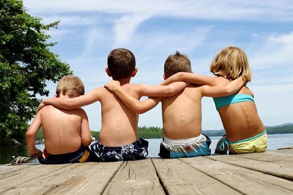 Рівненські рятувальники нагадують батькам про безпеку відпочинку дітей