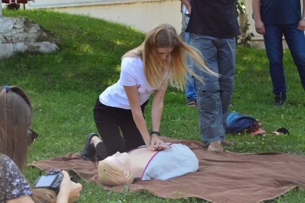Конкурсантки «Міс Здолбунів» гасили пожежу (Фоторепортаж)