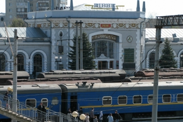 «Укрзалізниця» скорочує кількість потягів, які курсують Рівненщиною