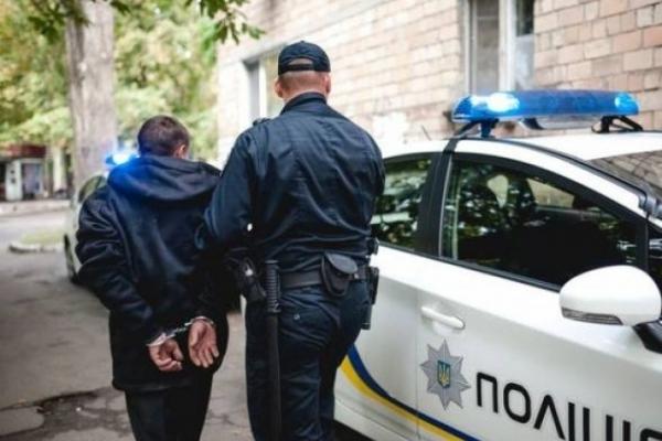 У Млинові двох підлітків викрили на крадіжці продуктів харчування