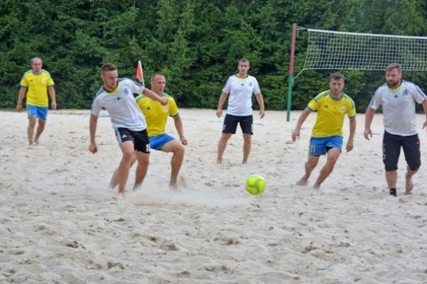 На РОК «Біле озеро» відбувся Чемпіонат Рівненщини з пляжного футболу