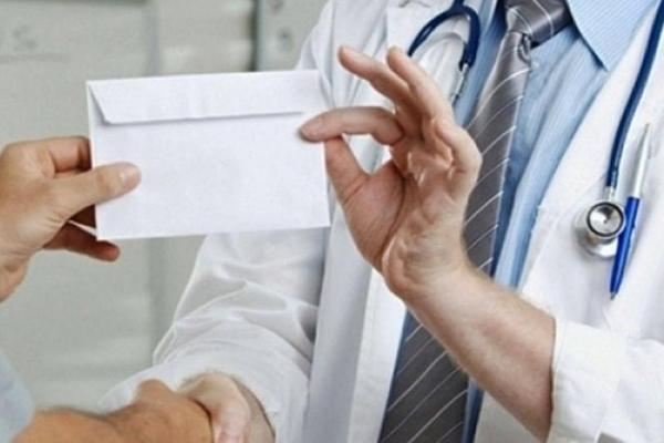 Лікаря покарали за отримання хабара від призовника