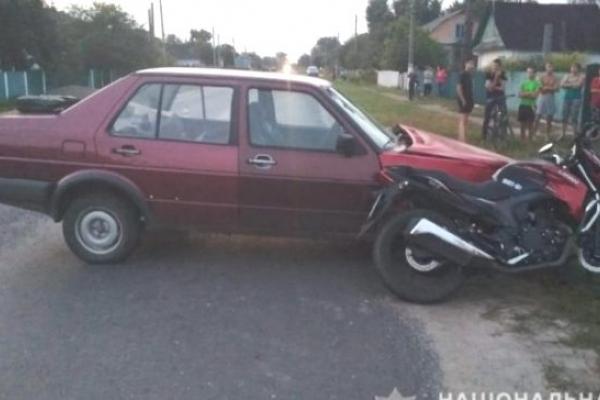 На Рівненщині мотоцикліст постраждав від жінки, яка раптово виїхала на зустрічну
