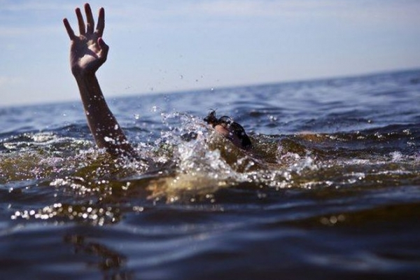 На Рівненщині з води витягнули мертву людину