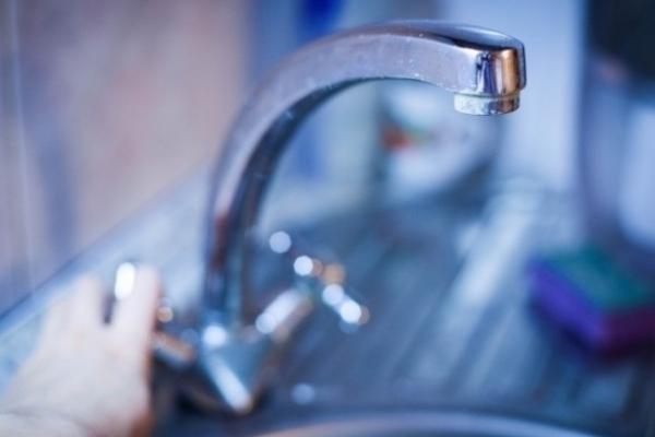 Окремі жителі Рівненщини сьогодні залишилися без води