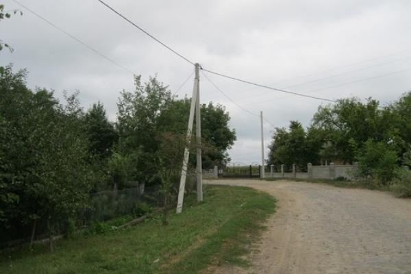 У Тучині завершується реконструкція електромереж (Фото)