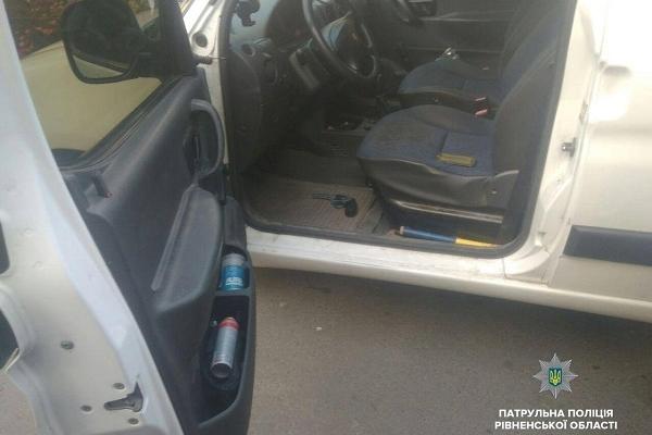 У Рівному водій погрожував таксисту (Фото)