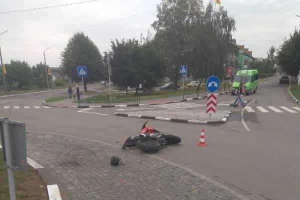 У Здолбунові жінка потрапила під колеса мотоцикла