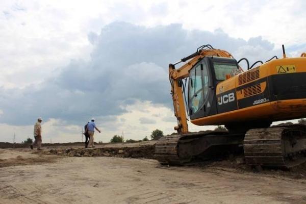 Голова Рівненської ОДА оглянув будівництво спорткомплексу на Макарова (Фото)