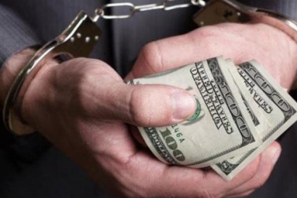 На Рівненщині посадовець погорів на хабарі у 500 доларів