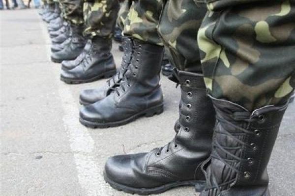 Осінній призов на Млинівщині: чи працівники військкоматів знову шукатимуть призовників за піччю?