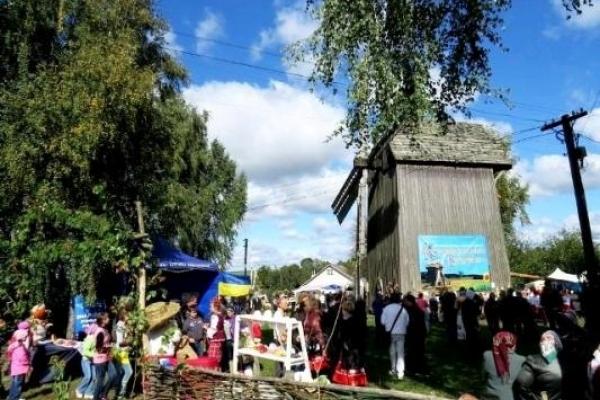 На Рівненщину на «Красносільські вітряки» їдуть артисти з 11-ти областей України, Молдови та Румунії