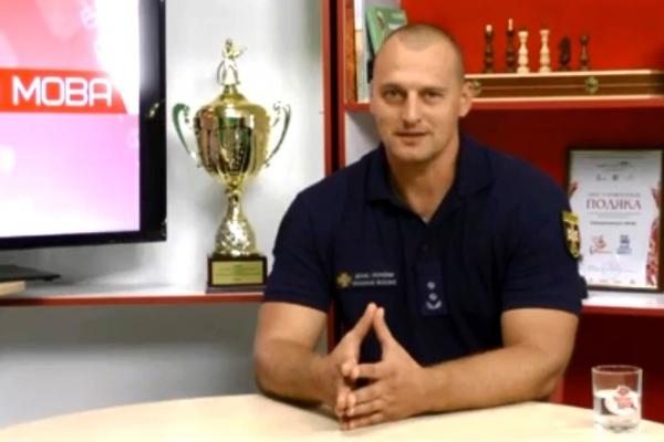 Найсильніший чоловік Рівного розповів про рятувальників та власні рекорди (Відео)
