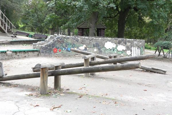 У рівненському парку імені Т. Шевченка може з'явитися оновлений дитячий майданчик (Відео)