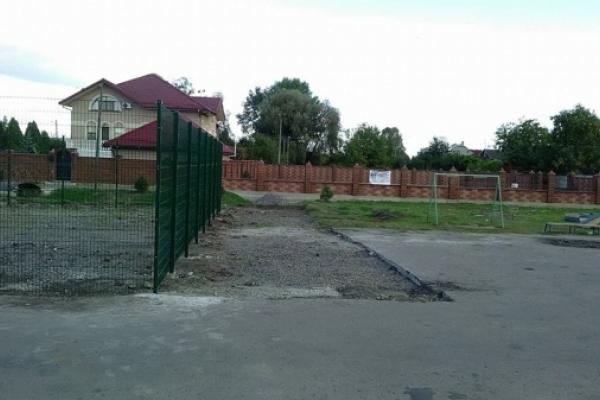 Замість АЗС у Рівному з'явиться баскетбольний майданчик (Фото)