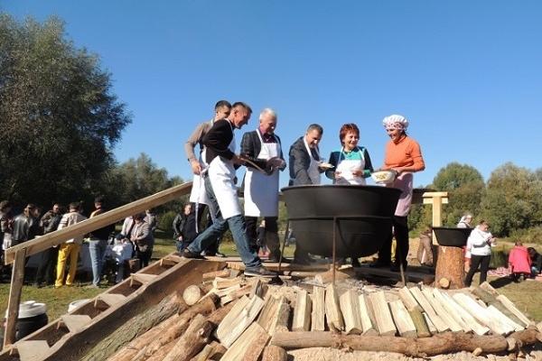 Гастрономічний фестиваль «День гарячого казана»  відбувся на Поліссі