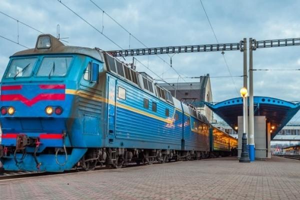 Свавілля на залізниці: начальник потяга «Ковель-Москва» випхала пасажирів на ходу  (Відео)