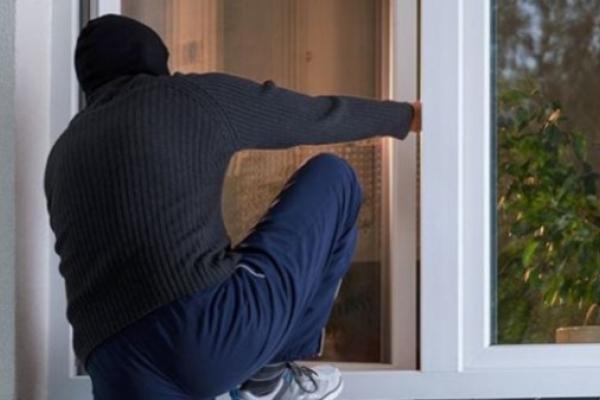 Молодика, який намагався пограбувати літню жінку на Рівненщині, затримали